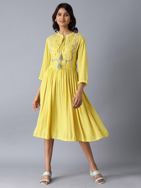W latest yellow georgette kurti for casual wear?imgeng=w_400