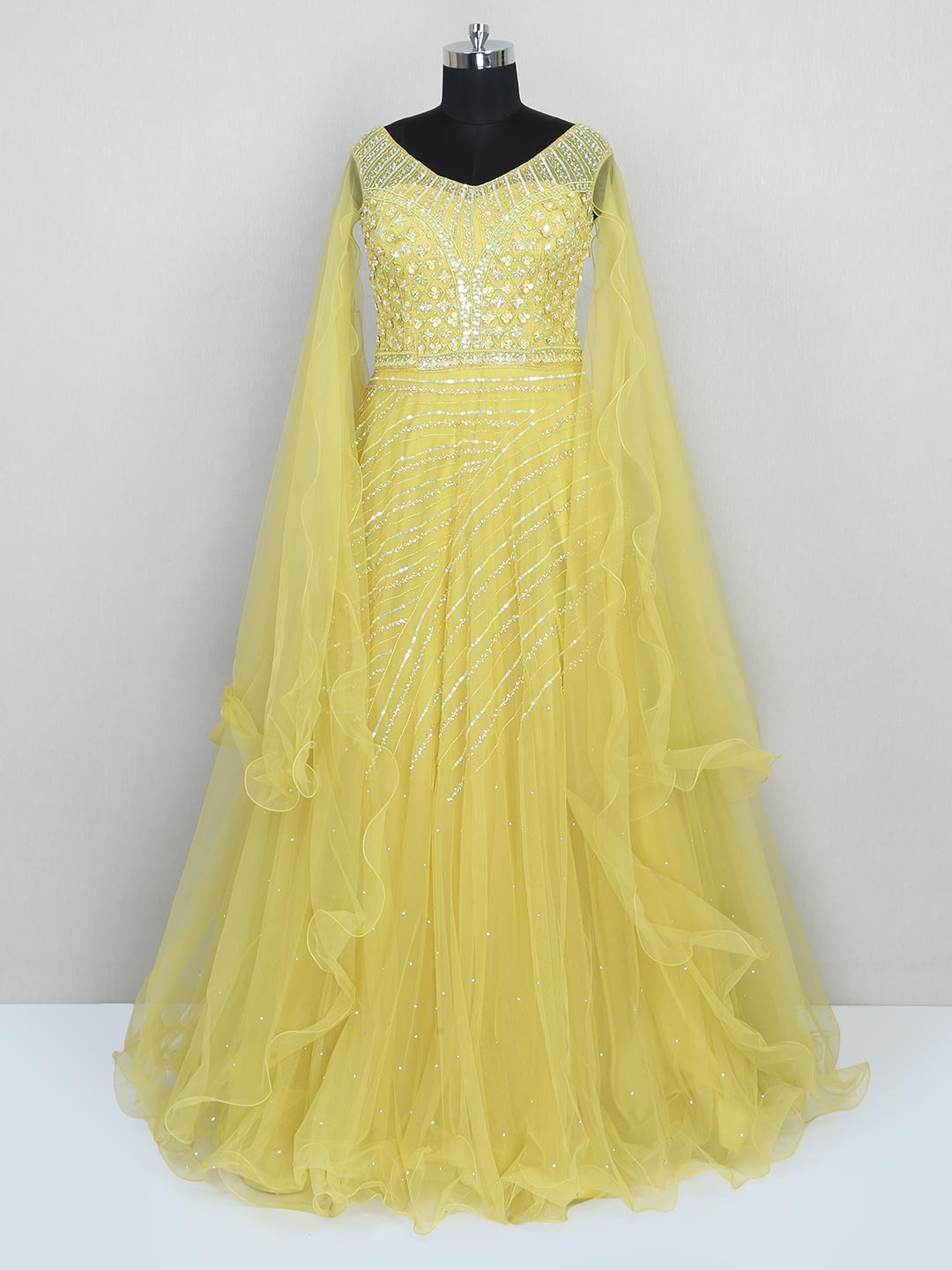 Yellow net gown for wedding session?imgeng=w_400