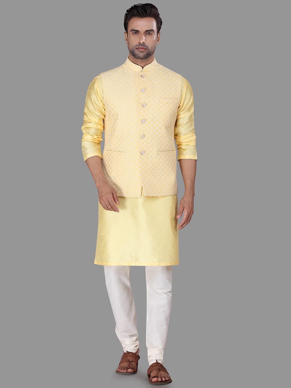 Yellow raw silk waistcoat set for mens?imgeng=w_400