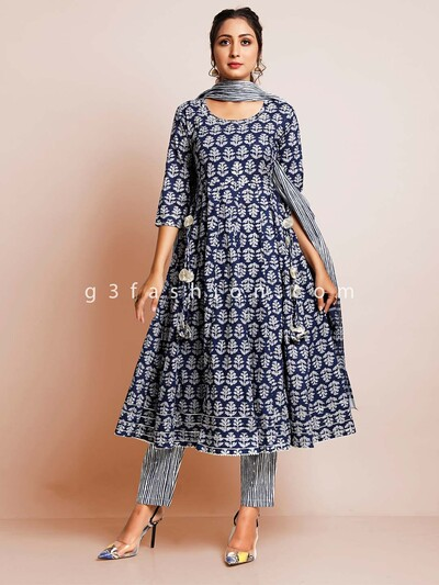 Blue cotton printed pant suit for casual look