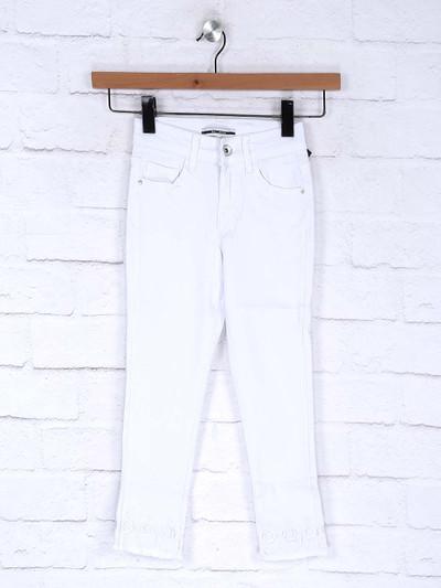 Deal white color denim casual slim fit jeans