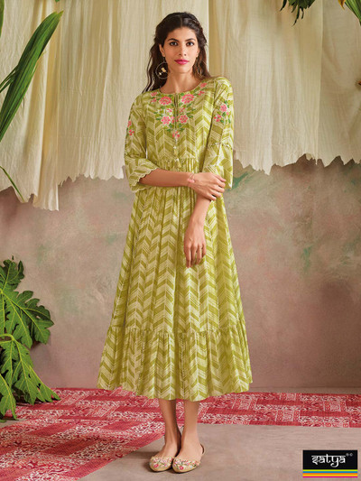Green cotton kurti for casual look