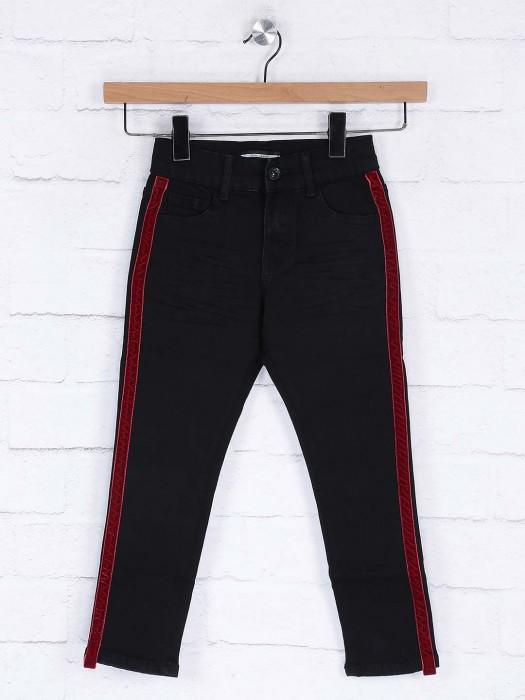 Deal Solid Black Color Casual Wear Slim Fit Jeans