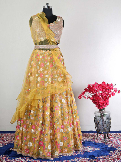 Latest yellow wedding lehenga for women with thread work