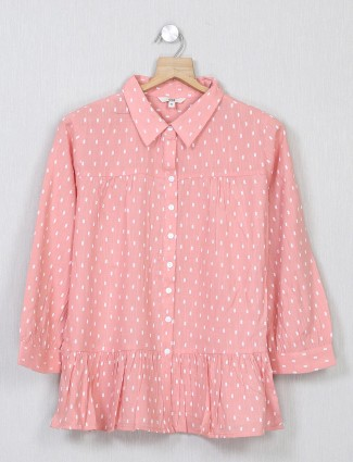 AND printed pink top for casual look