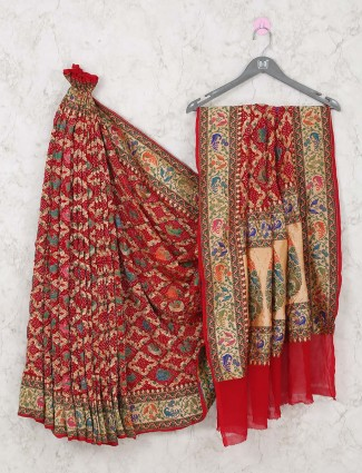Bandhani saree in red color