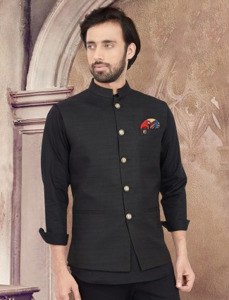 Black full buttoned placket solid waistcoat