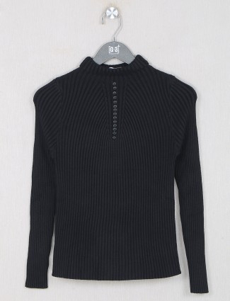Black knitted casual top for women