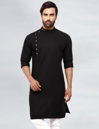 Black simple cotton kurta for festive sessions