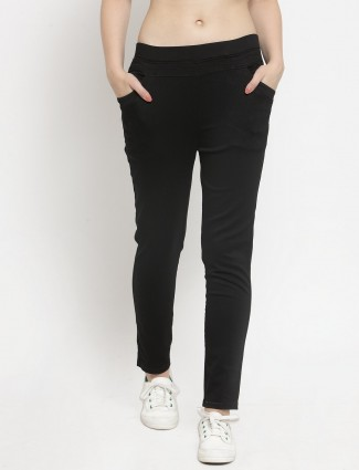 Casual wear black solid jeggings
