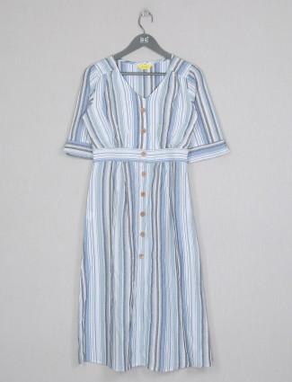 Casual wear blue cotton kurti in print