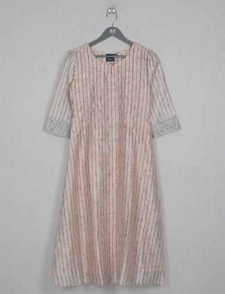 Casual wear peach printed cotton kurti
