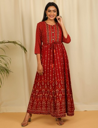 Casual wear printed kurti for women in maroon hue