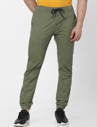 Celio green solid style denim for men