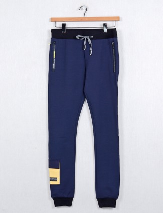 Chopstick presented solid navy track pant