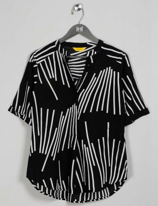 Cotton casual wear top in black
