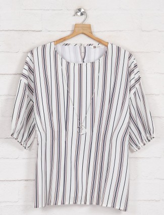 Cotton top in white and navy stipe style