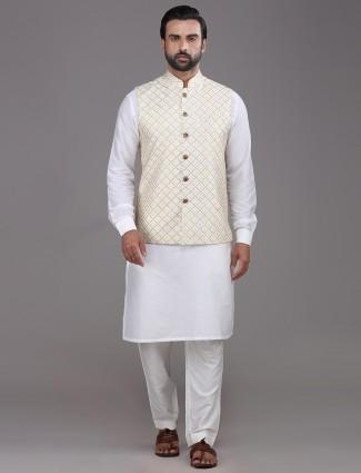 Cream and white silk mens waistcoat set