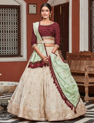Peach wedding elegance attire with contrast odhani