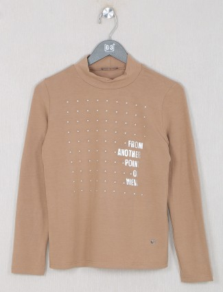 Deal brown shande top in solid style