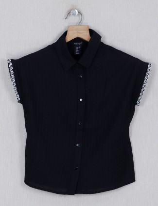 Deal cotton black solid top with cap sleeves