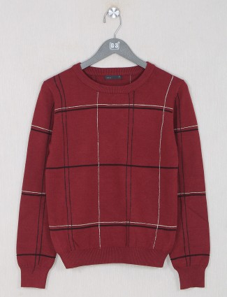 Deal maroon chexs top for women