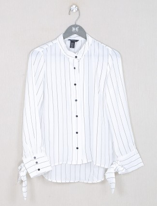 Deal presented white striped top