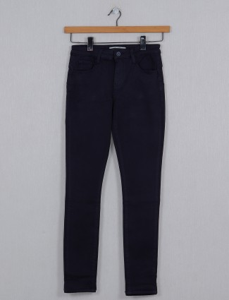 Deal pretty solid denim for causal wear in navy