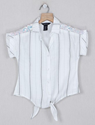 Deal stripe white cotton top for girls