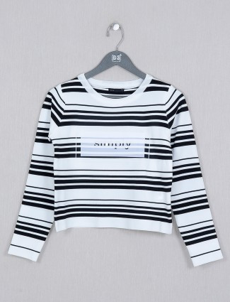 Deal white hue Ribbed striped top for casual style