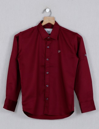 DNJS solid maroon pattern casual shirt