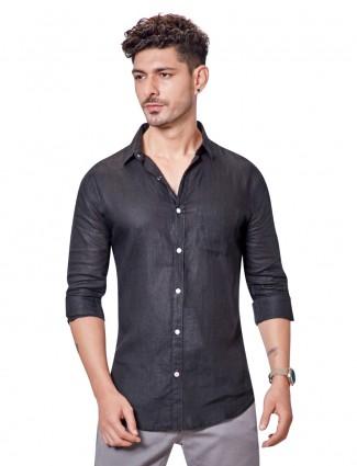 Dragon Hill black linen solid patch pocket shirt