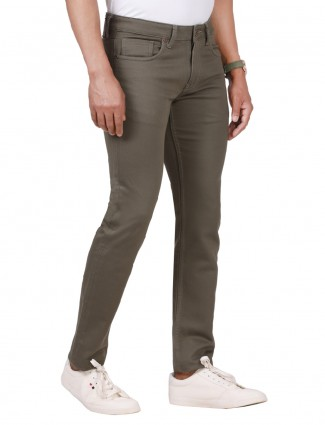 Dragon Hill presented olive solid jeans