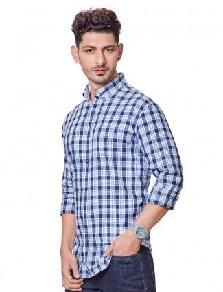 Dragon Hill white and blue checks slim collar shirt