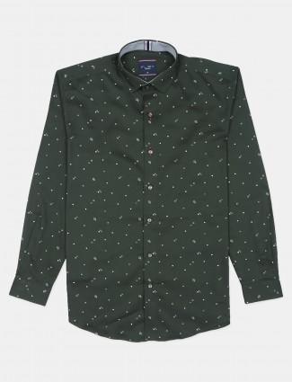 Flirt printed style bottle green slim-fit shirt for men