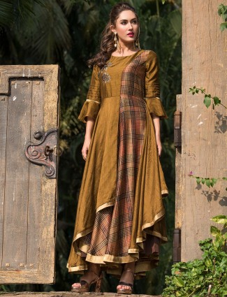 Gold and beige hued solid long kurti