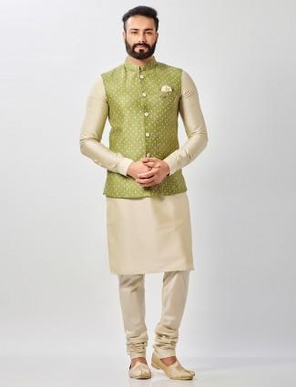 Green raw silk waistcoat set with bandhej print for mens