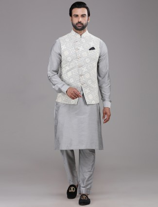 Grey chikan waistcoat set in silk