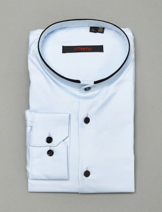 I Party blue solid slim fit shirt