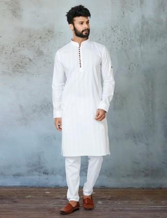 Latest white shade kurta with chudidar