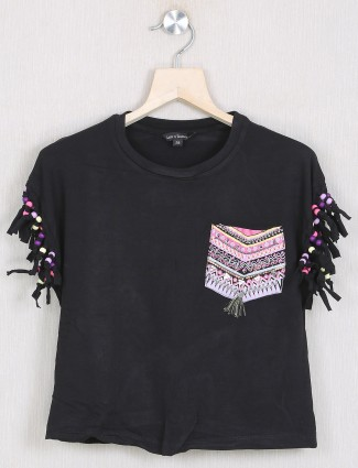 Leo N Babes casual style black printed top for casual events