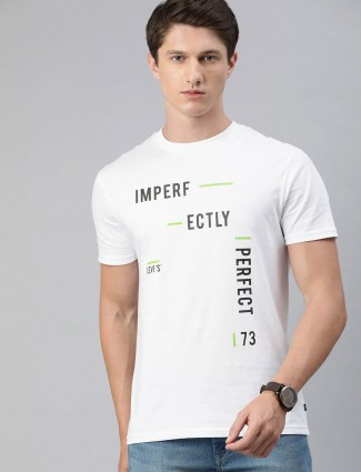 Levis printed white half sleeve t-shirt
