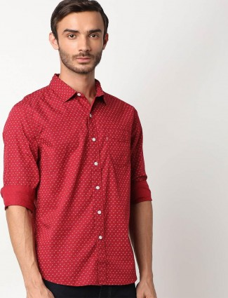 Levis red slim fit printed casual wear shirt