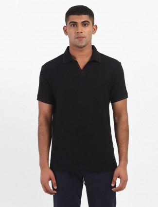 Levis solid black half sleeve polo t-shirt