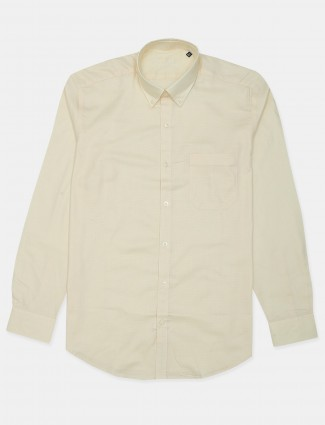 Louis Philippe presented solid cream casual shirt