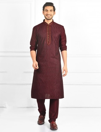 Maroon kurta suit for mens with sequins work details