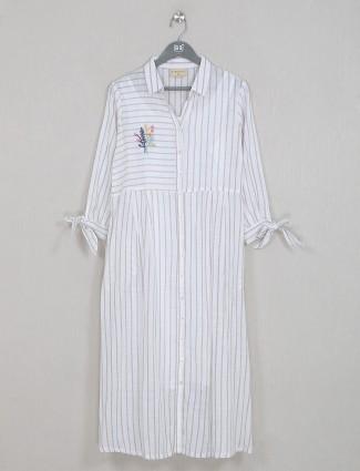 Off-white fabulous cotton casual wear kurti for women