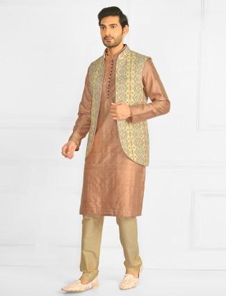Onion pink hue festive hue waistcoat suit for mens