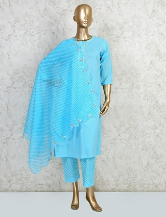 Pant style suit in aqua for festive session