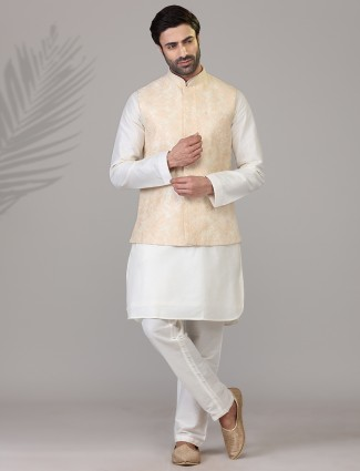 Peach waistcoat set in silk with embroidery